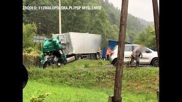 Zderzenie dwóch ciężarówek w Małopolsce. Jedna osoba nie żyje