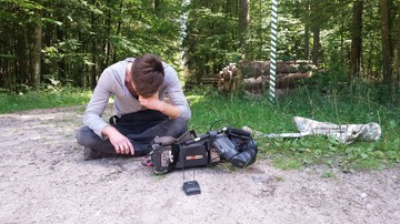 Operator Polsat News pobity w Puszczy Białowieskiej