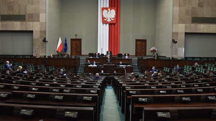 Zakaz aborcji, polowania z dziećmi i anty-447. Tymi projektami zajmował się Sejm