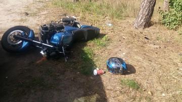 Zgubił kask i telefon podczas ucieczki skradzionym motocyklem. Znalazł go pies tropiący