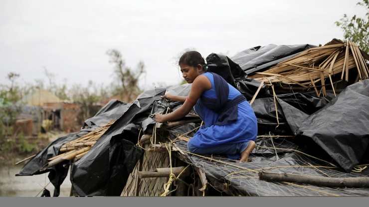 Potężny cyklon uderzył w wybrzeże Indii i Bangladeszu. Zginęło co najmniej 80 osób