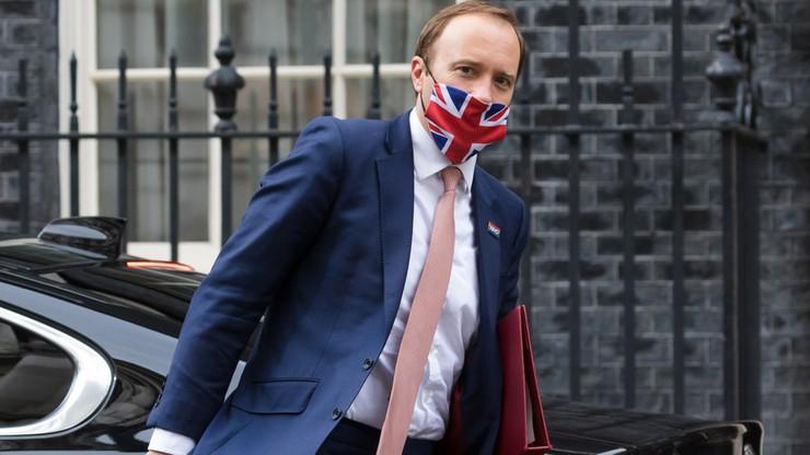 Brytyjski minister zdrowia: indyjski wariant stanowi 50-75 proc. nowych zakażeń