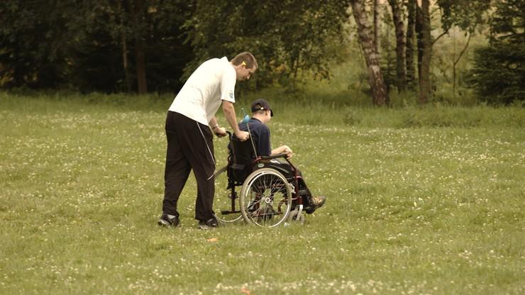 Opiekunowie niepełnosprawnych będą mogli liczyć na wsparcie po utracie prawa do świadczeń
