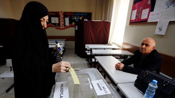 Zakończyło się referendum w Turcji. Cząstkowe wyniki po myśli Erdogana. Opozycja zarzuca liczne oszustwa