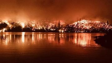 """""""Tornada ognia"""" trawią Kalifornię. Dwie osoby nie żyją"""
