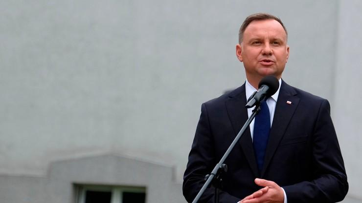 Unia zamrozi pomoc finansową dla Polski po słowach Dudy o LGBT?