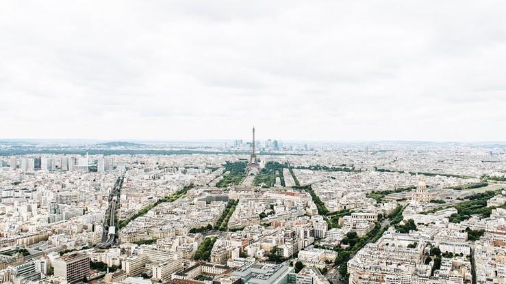 Francja: słynny terrorysta z lat 70.-80. Carlos sądzony w Paryżu