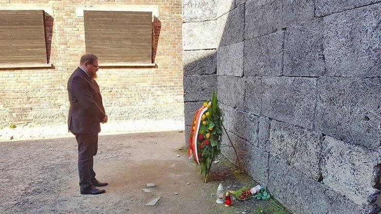 Hołd dla powstańców w Muzeum Auschwitz