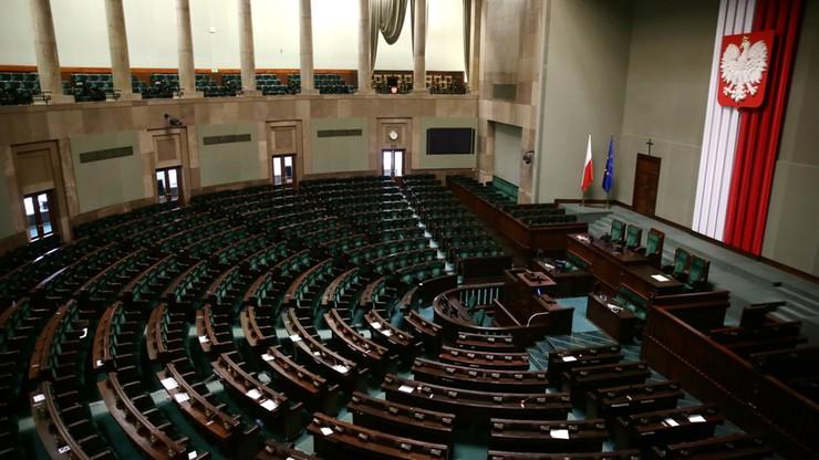 Kancelaria Sejmu: 12 600 zł kosztowały urządzenia do głosowania na Sali Kolumnowej