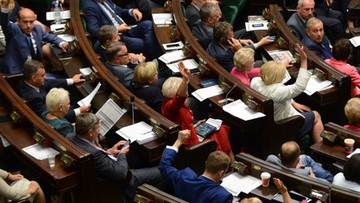 CBOS: średnia wieku osoby pełnoletniej stanu wolnego w Polsce wynosi 29 lat