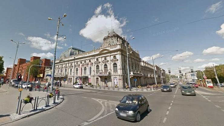 Pałac Hirszenbergów w Łodzi wypiękniał. Konserwatorzy odnowili 100-letnie obrazy