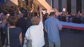 """Manifestacja przed SN. """"Wolni ludzie, wolne sądy, wolne wybory"""""""