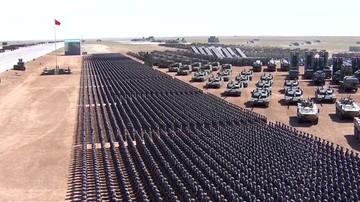Czołgi, wyrzutnie rakietowe i bombowce. Wielka parada wojskowa w Chinach