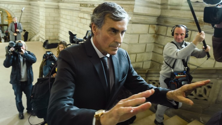 Francja: były minister ds. budżetu przed sądem za oszustwa podatkowe