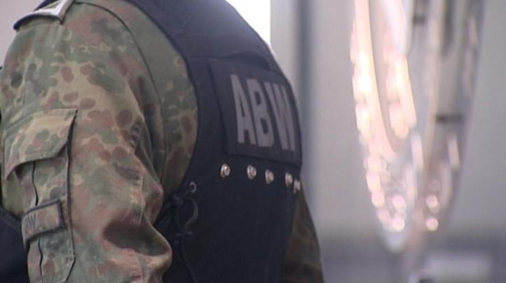 ABW zatrzymała prezesa firmy-słupa z domniemanej grupy nielegalnie handlującej paliwem