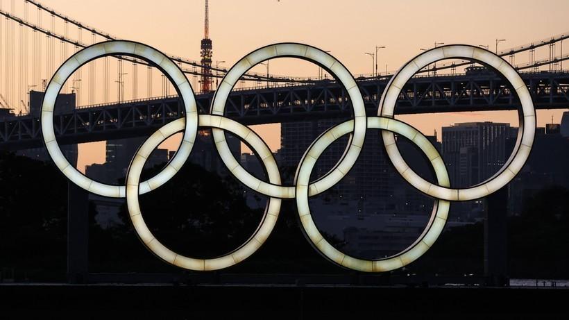 Tokio 2020: Burmistrz, który ugryzł złoty medal olimpijski, ma koronawirusa