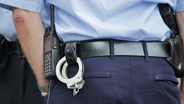 Policjanci w Hadze ustawili kosze na nielegalną broń