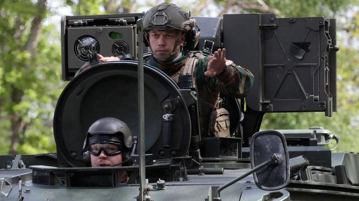 W obławie belgijskie służby wykorzystują czołgi po tym, jak komandos zastawił