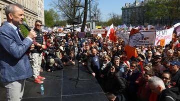 16. dzień strajku. Broniarz: dziś niczego nie kończymy. Manifestacja nauczycieli przed MEN