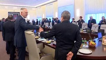 """Gliński do Gowina: """"nikt nie widzi?"""". I sięga na biurko premiera..."""