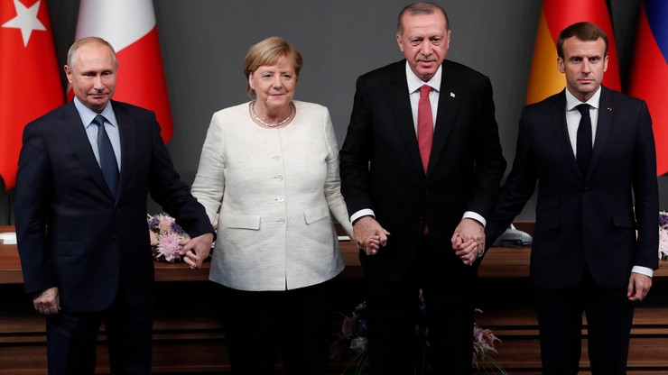 """""""Urocze..."""". Duda skomentował zdjęcie Putina, Merkel, Erdogana i Macrona"""