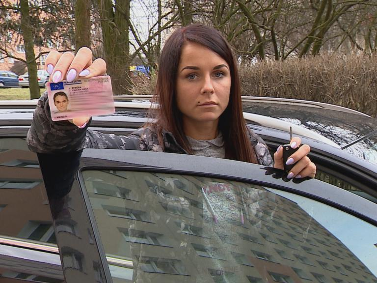 Zdała egzamin, ale prawo jazdy musi oddać!