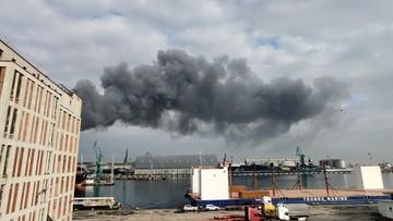 Pożar w porcie w Gdyni. Na miejscu kilkadziesiąt zastępów strażaków