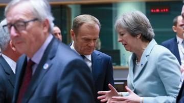 """Juncker broni Tuska. """"Może się swobodnie wypowiadać"""""""
