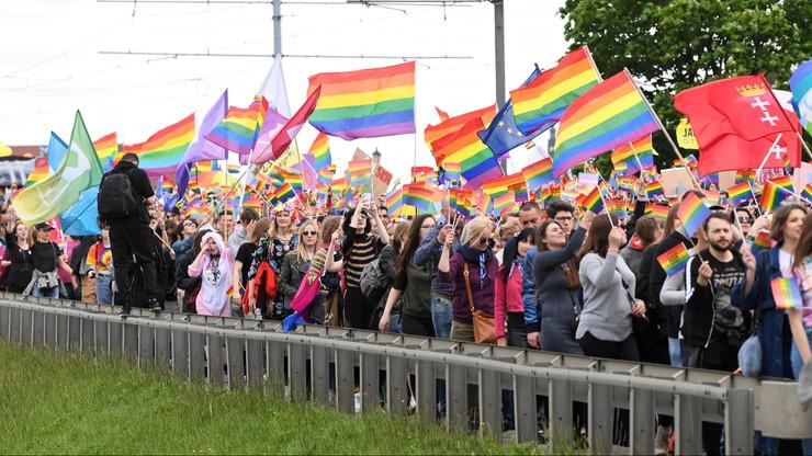 Transparent z waginą na Trójmiejskim Marszu Równości w Gdańsku. Wszczęto postępowanie