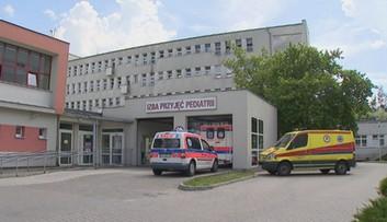 Poprawił się stan 5-miesięcznego chłopca z Kramska. Matka zaatakowała go nożem, jego brat nie żyje