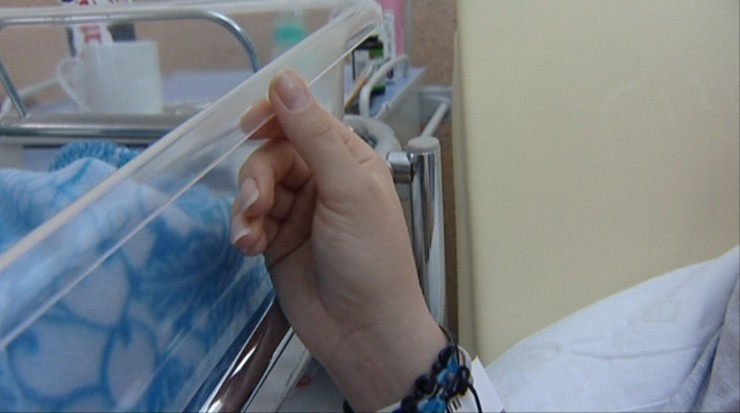 Ciężarna kobieta pomyliła szpitale. Poród w izbie przyjęć odebrali chirurg i urolog
