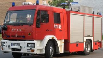 Pijany strażak wjechał wozem strażackim w auto osobowe i odjechał