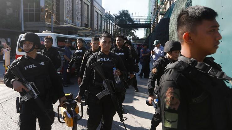 Policja szuka osoby związanej z atakiem na kompleks rozrywkowy w Manili
