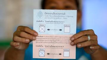 Tajlandczycy poparli w referendum projekt nowej konstytucji