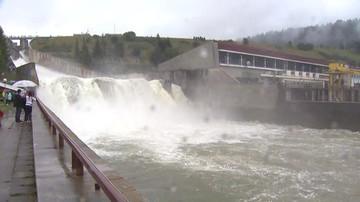 Spływ Dunajcem zamknięty. Przez awaryjny zrzut wody z zapory w Czorsztynie [WIDEO]