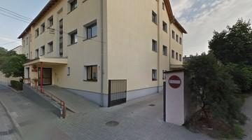 83-letnia pensjonariuszka wypadła przez okno łazienki w DPS w Strzelcach Opolskich