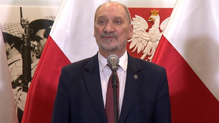 """""""Nowy minister ma prawo tworzyć własny zespół"""". Macierewicz o odwołaniu dotychczasowych wiceszefów MON"""