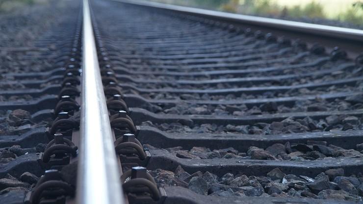 Zderzenie pociągu z cysterną. Pięciu pasażerów rannych