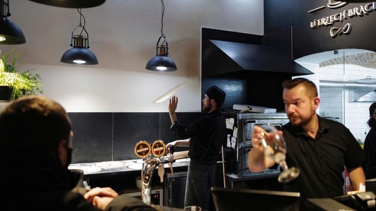 Mimo zakazu część właścicieli otwiera swoje restauracje