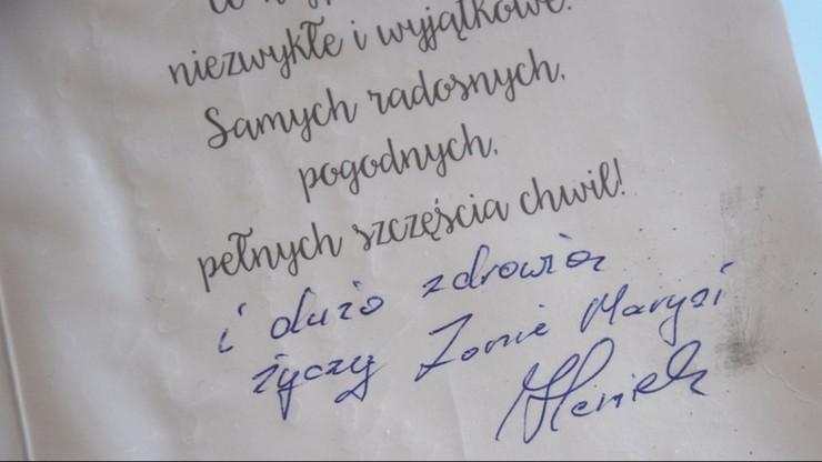 """Kosz z kwiatami uszkodził samochód. Policja szuka tajemniczego """"pana Heńka"""""""