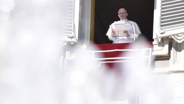 """""""Odwet nigdy nie prowadzi do rozwiązania konfliktów"""". Papież Franciszek"""
