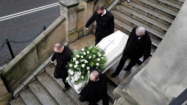 """Pogrzeb 13-letniej Patrycji. """"Opuściłaś świat o wiele za wcześnie"""""""