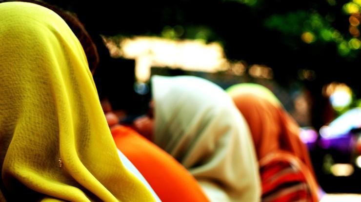 Norweska fryzjerka stanęła przed sądem za odmowę obsługi kobiety noszącej hidżab