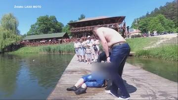 Chwile grozy nad jeziorem. Motocykliści ratują tonącego mężczyznę [WIDEO]