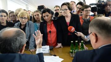 Sejmowa komisja odrzuciła projekt o zakazie aborcji. Posłowie zajmą się nim w czwartek