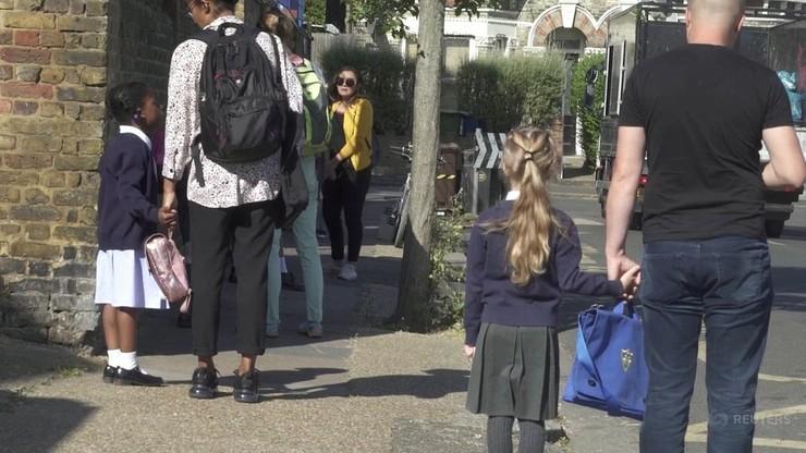 Chaos w angielskich szkołach. Wiele dzieci nie wróciło do klas