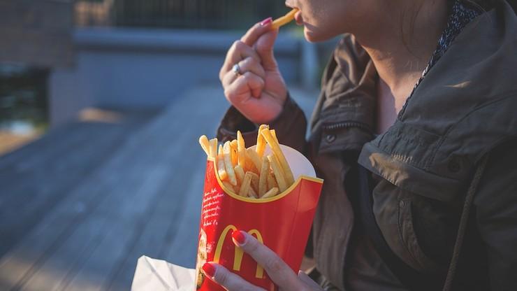 USA. McDonald's w Oregonie zatrudnia 14-latków. Nie ma komu pracować