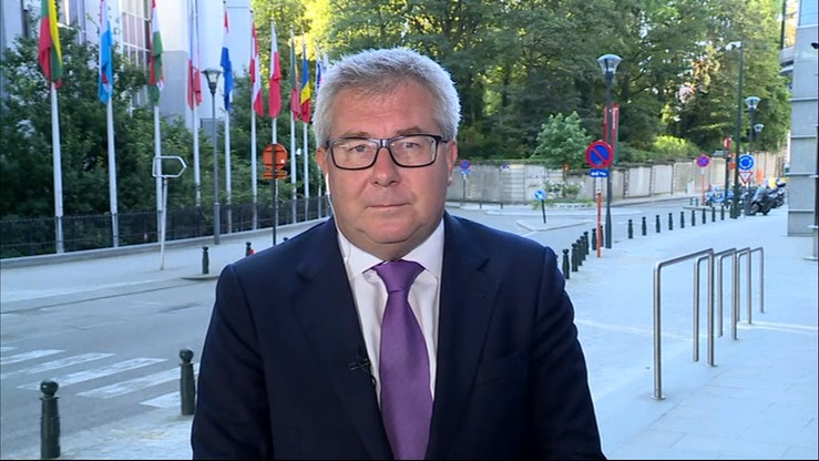Czarnecki: trzeba pytać obywateli o zdanie, a nie zamykać się w pokoju w Brukseli