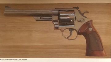Ukradli pistolety Jamesa Bonda. Sprawcy prawdopodobnie pochodzą z Europy Wschodniej [WIDEO]