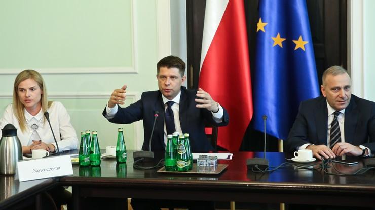 PO i Nowoczesna: opublikować wyrok TK. Kukiz'15: opozycja histeryczna stawia warunki zaporowe